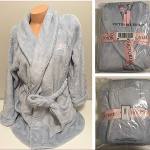 🆕VICTORIA'S SECRET - GREY COZY SHORT ROBE - M/L